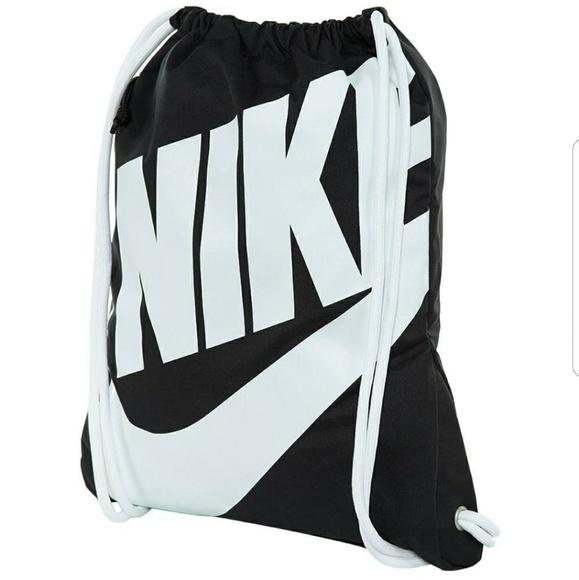 huge selection of 29601 10808 nike bags training gym sack drawstring ... 7dd36878b3